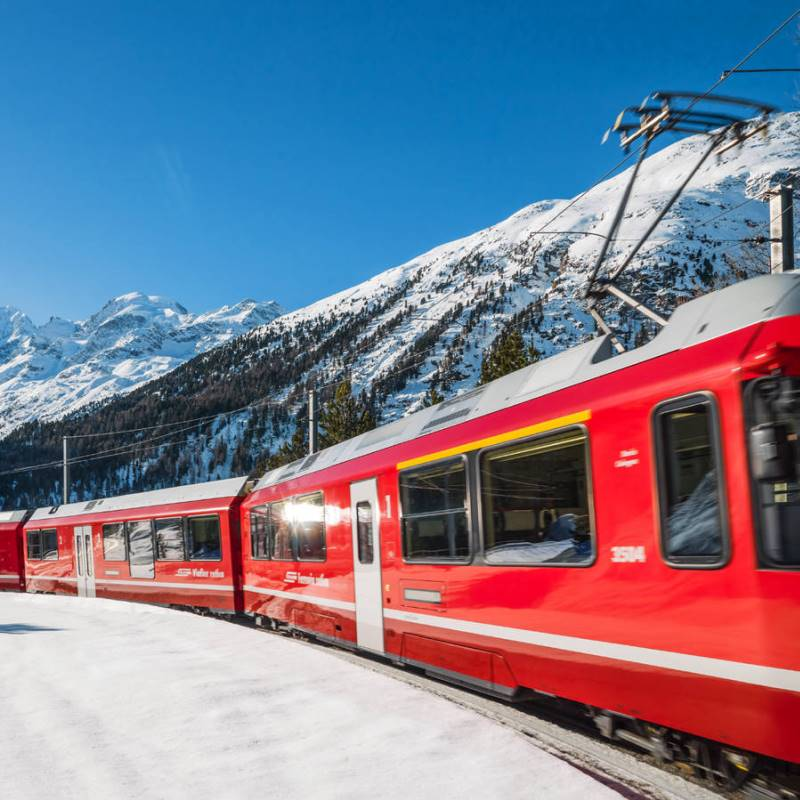 http://www.casavacanzelerose.it/site/wp-content/uploads/2017/01/treno-rosso-bernina.jpg